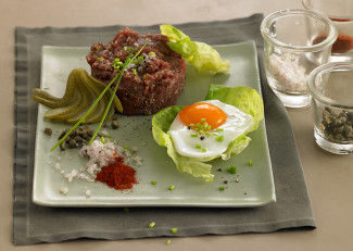 Beef tartare with fried egg